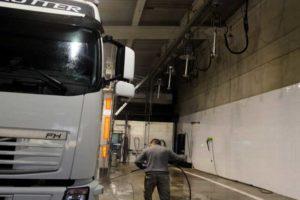 Servicio Lavado Limpieza Camiones y Furgonetas
